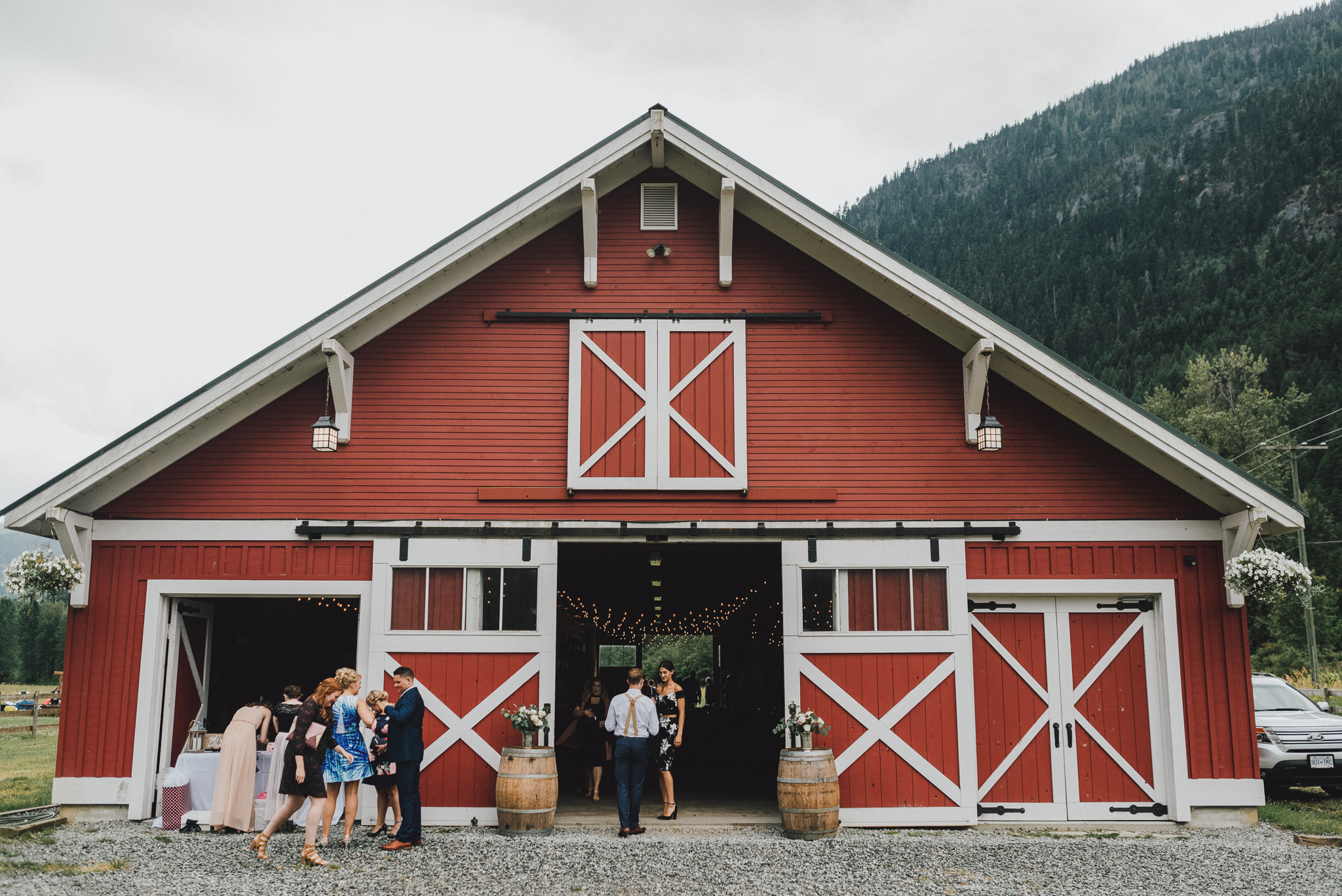 pemberton-riverlands-equestrian-red-barn-wedding (11 of 79).jpg