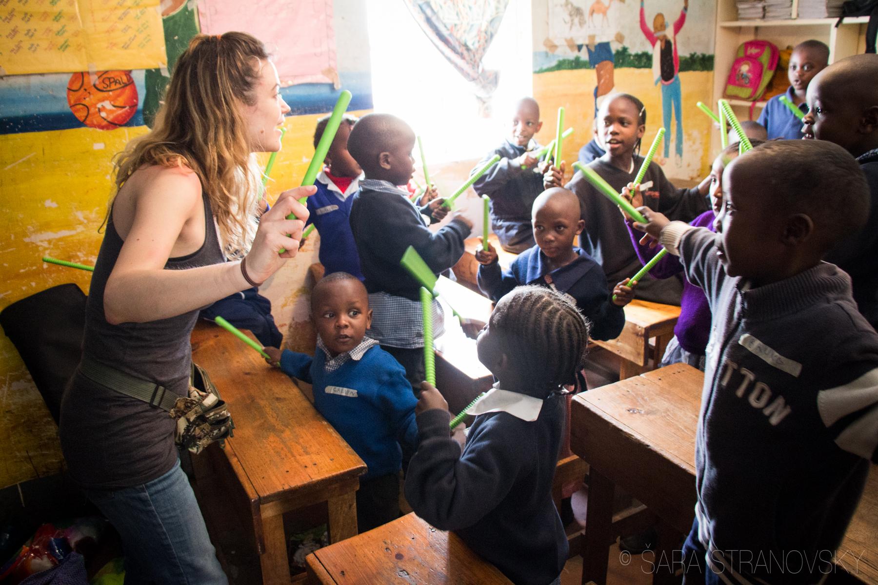 Arts integration w rhythm in Kenya