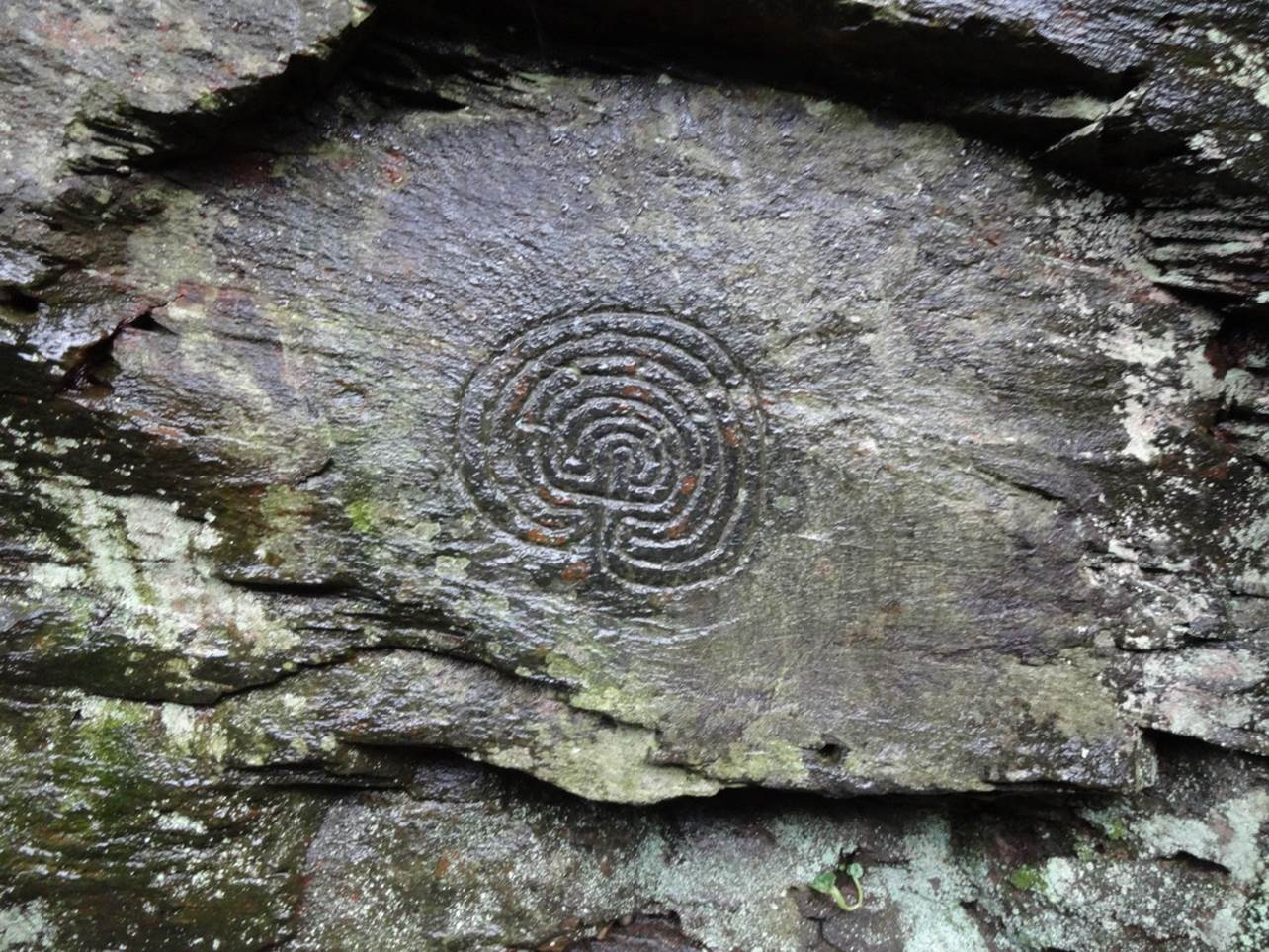 The rock art labyrinths at Rocky Valley near Tintagel, which in part inspired Kerdroya