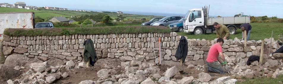 Thanks to funding from Cornwall Council, as an integral part of the regeneration of SE Cornwall, Kerdroya will improve the skills and experience for local local people, helping to reinvigorate the art and craft of Cornish hedging for the future