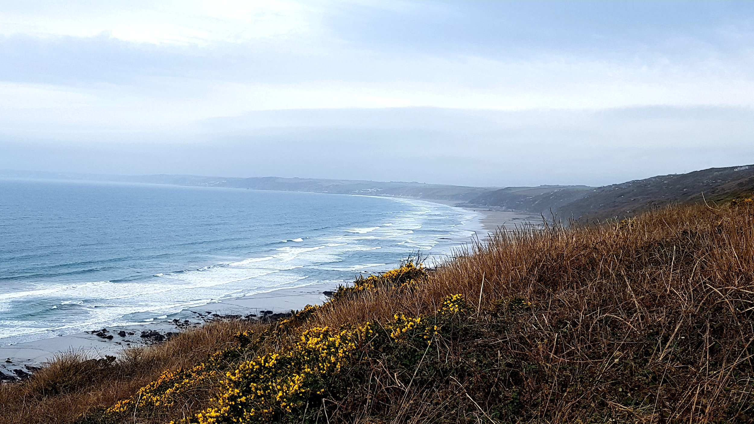 The Looe to Cremyll Cycle Trail links Rame Head with Looe along the dramatic sweep of Whitsand Bay
