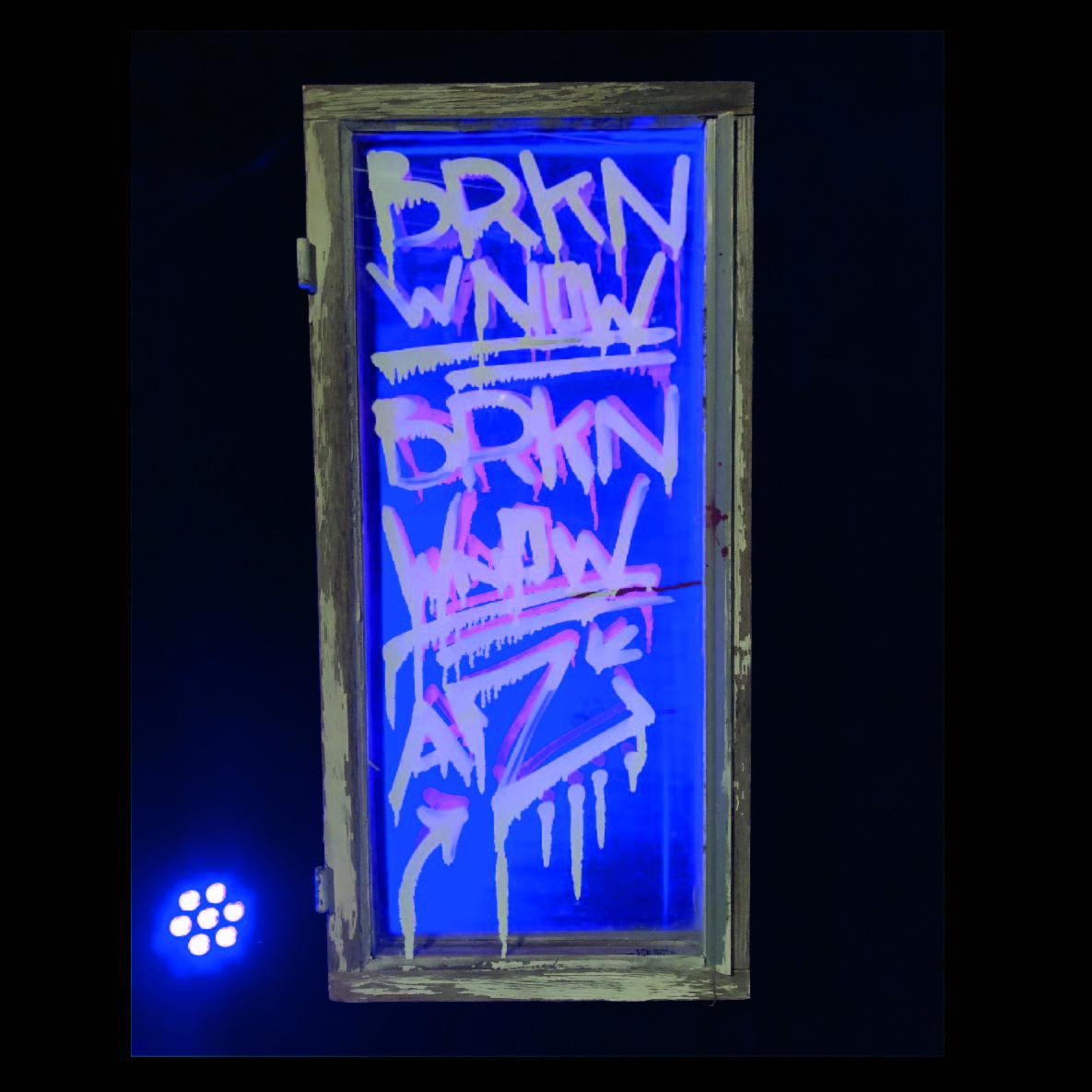 Broken Windows fönster 1.jpg