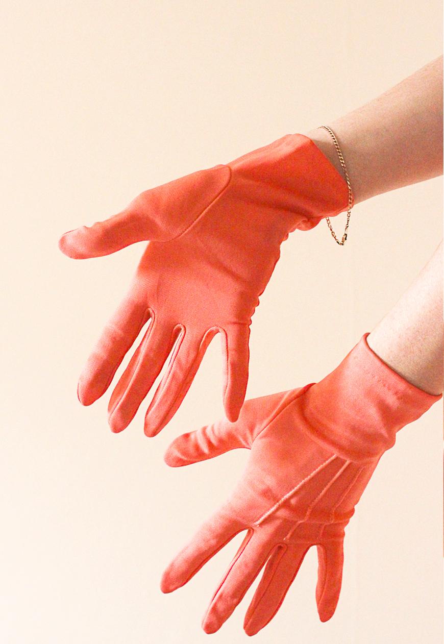 Vintage_Coral_50s_Gloves
