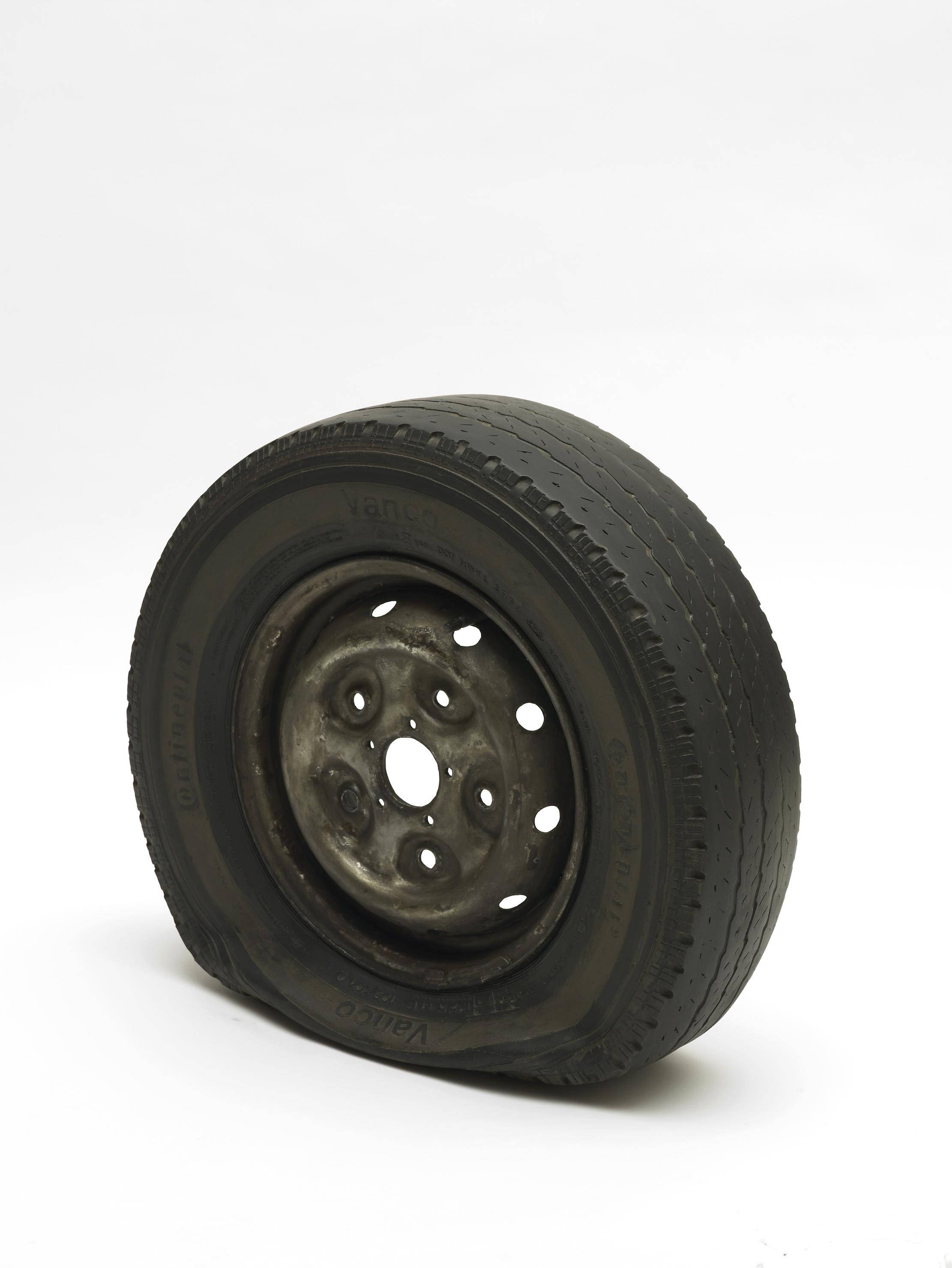 Flat Tyre_2013_Gavin Turk_Photo by Andy Keate.jpg