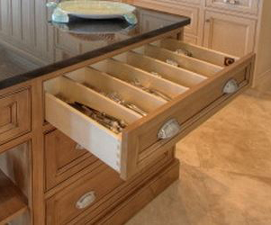 Fixed, In-Drawer Cutlery Divider