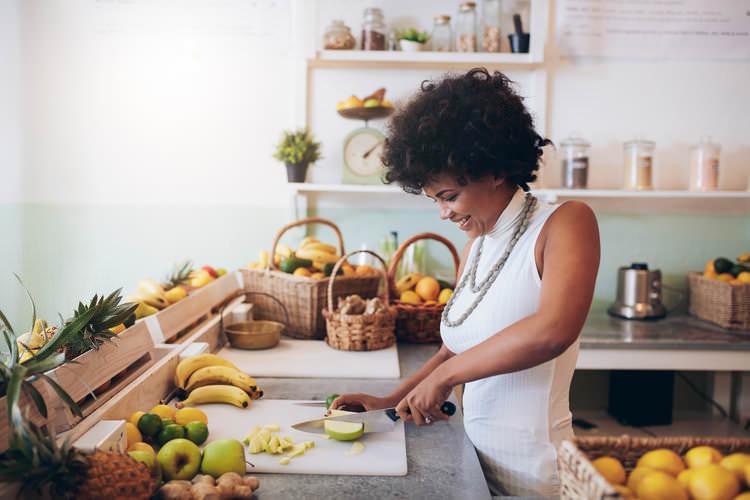 woman slicing apples.jpg
