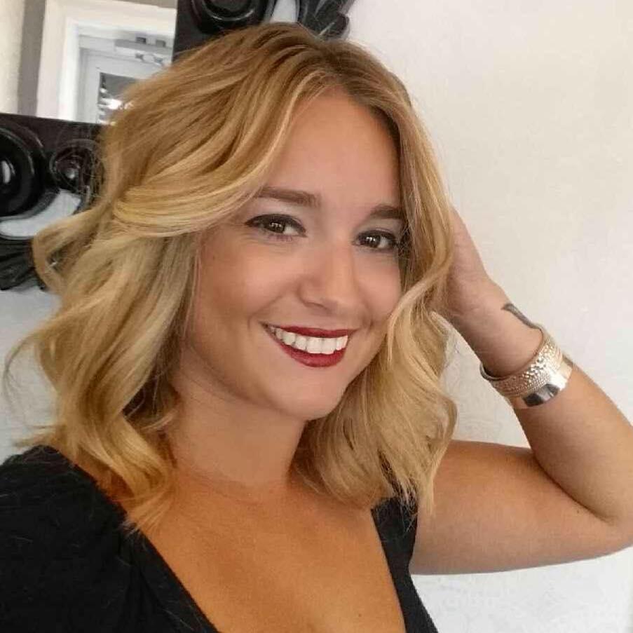 Sophia Capomolla (Senior Stylist)