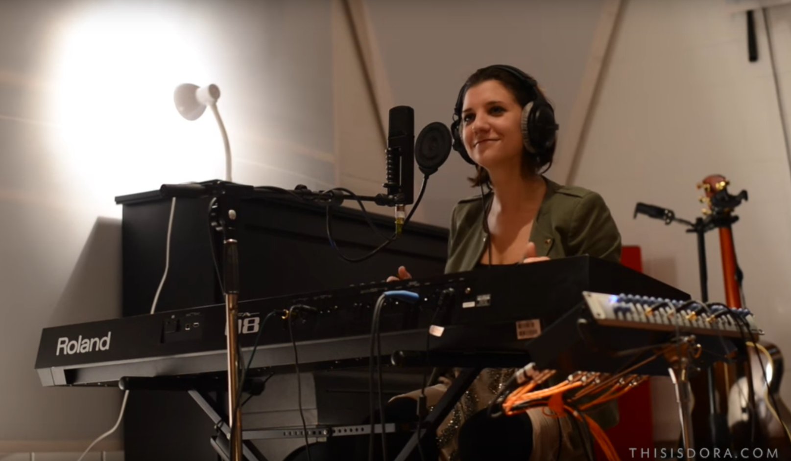 2017-04-06 11_21_00-Dora Live Studio Sessions Budapest - YouTube.png