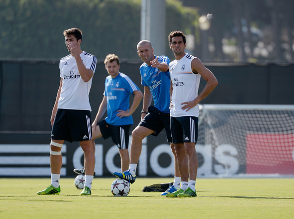 I'm sure Zidane has no problem showing Arbeloa what he's looking for if he's not an auditory learner.