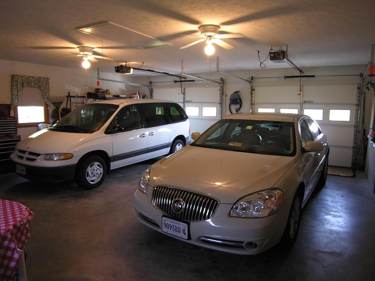 Garage 1-Oversized 2-car garage.JPG