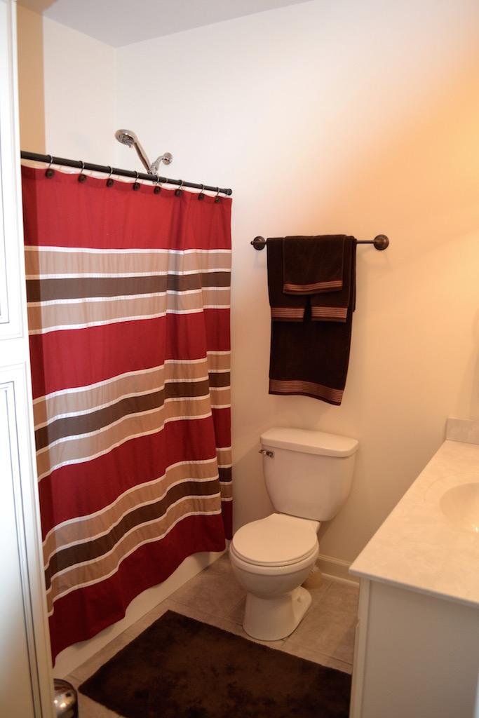 Hall Bath-1.jpg