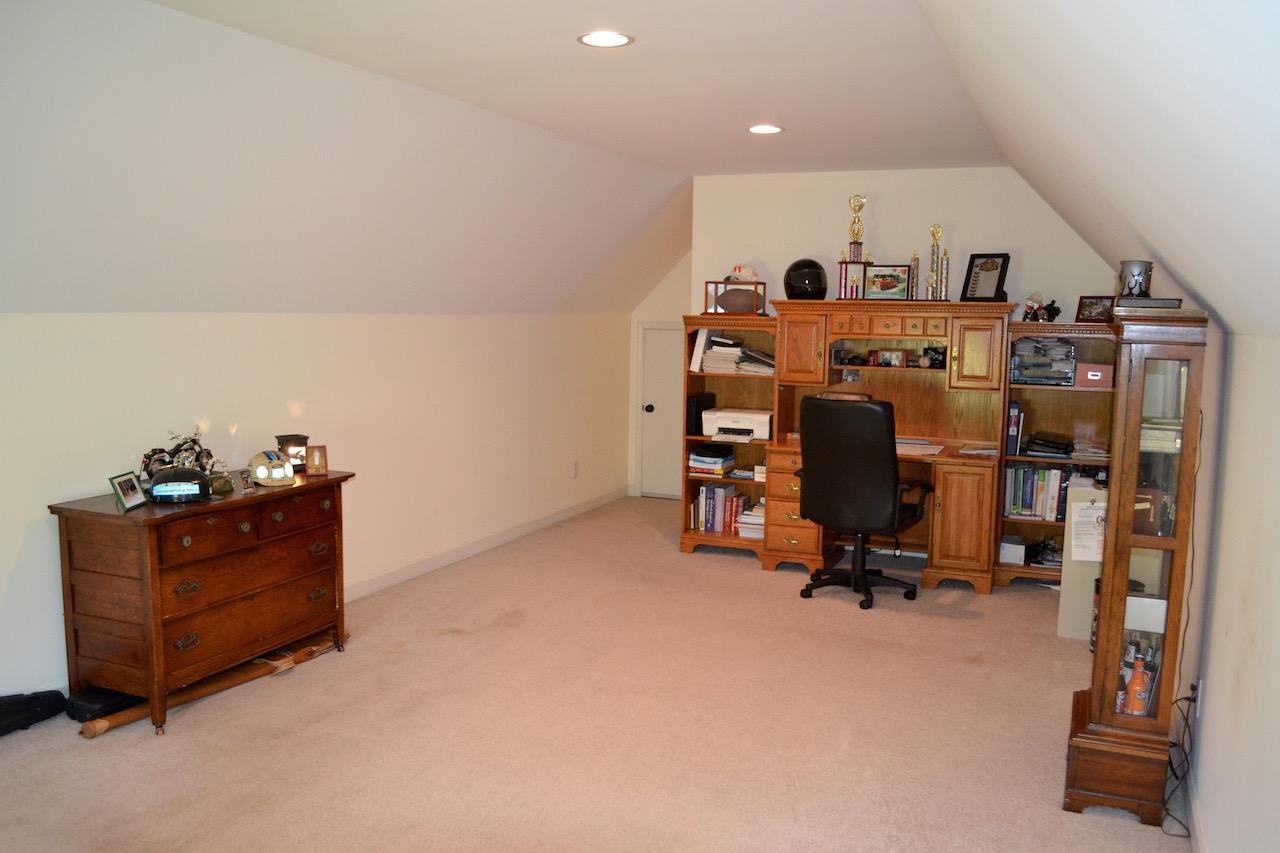 Bonus Room:Office-2.jpg