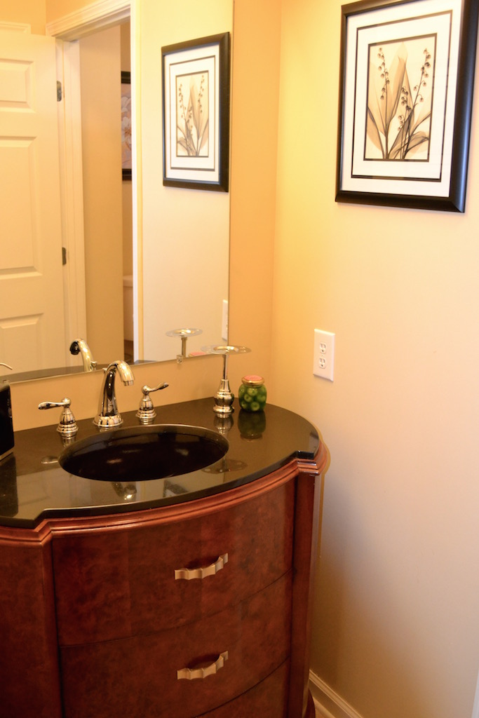 Bathroom 2-3.jpg