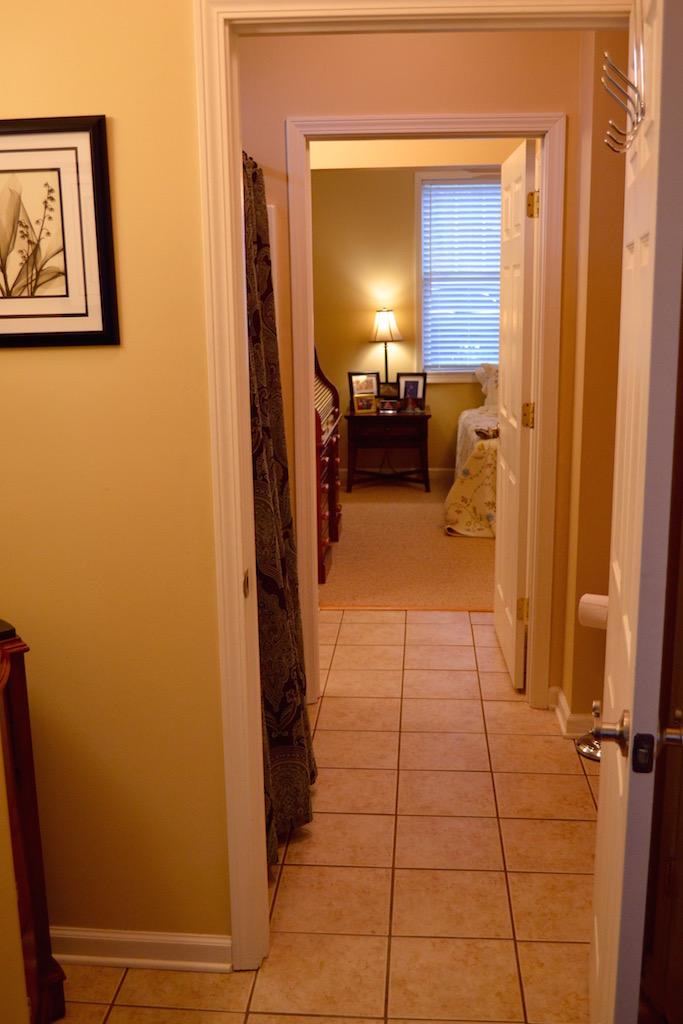 Bathroom 2-4.jpg