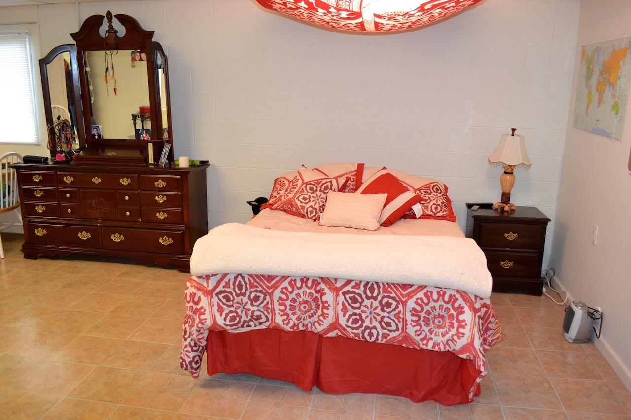 Bedroom 5:Extra Room-2.jpg