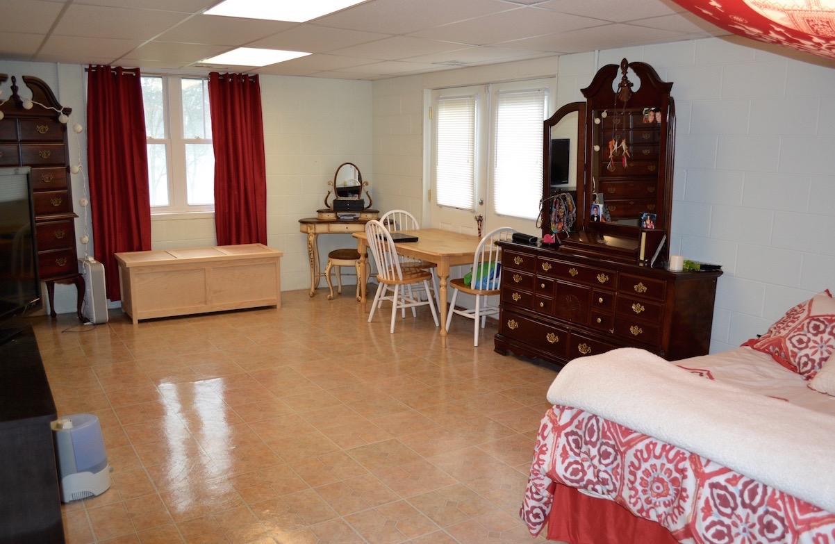Bedroom 5:Extra Room-1 (1).jpg