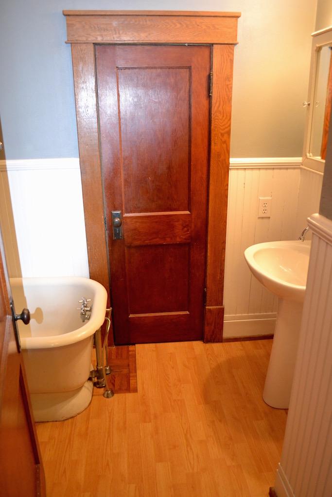 Upstairs Full Bathroom-1.jpg