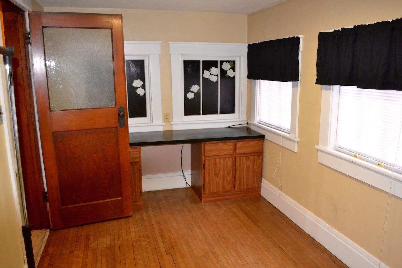 Upstairs Office:5th Bedroom.jpg