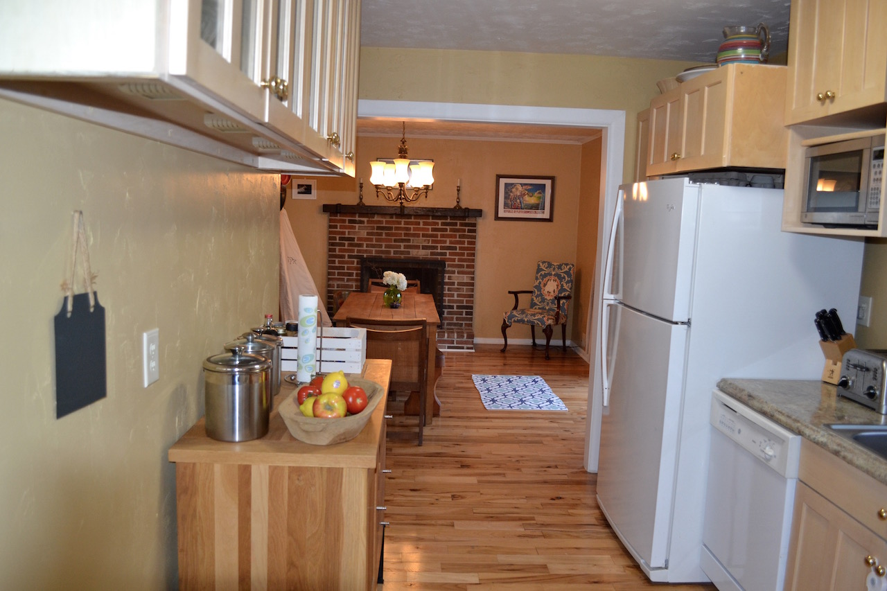 Kitchen to Dining Room.jpg