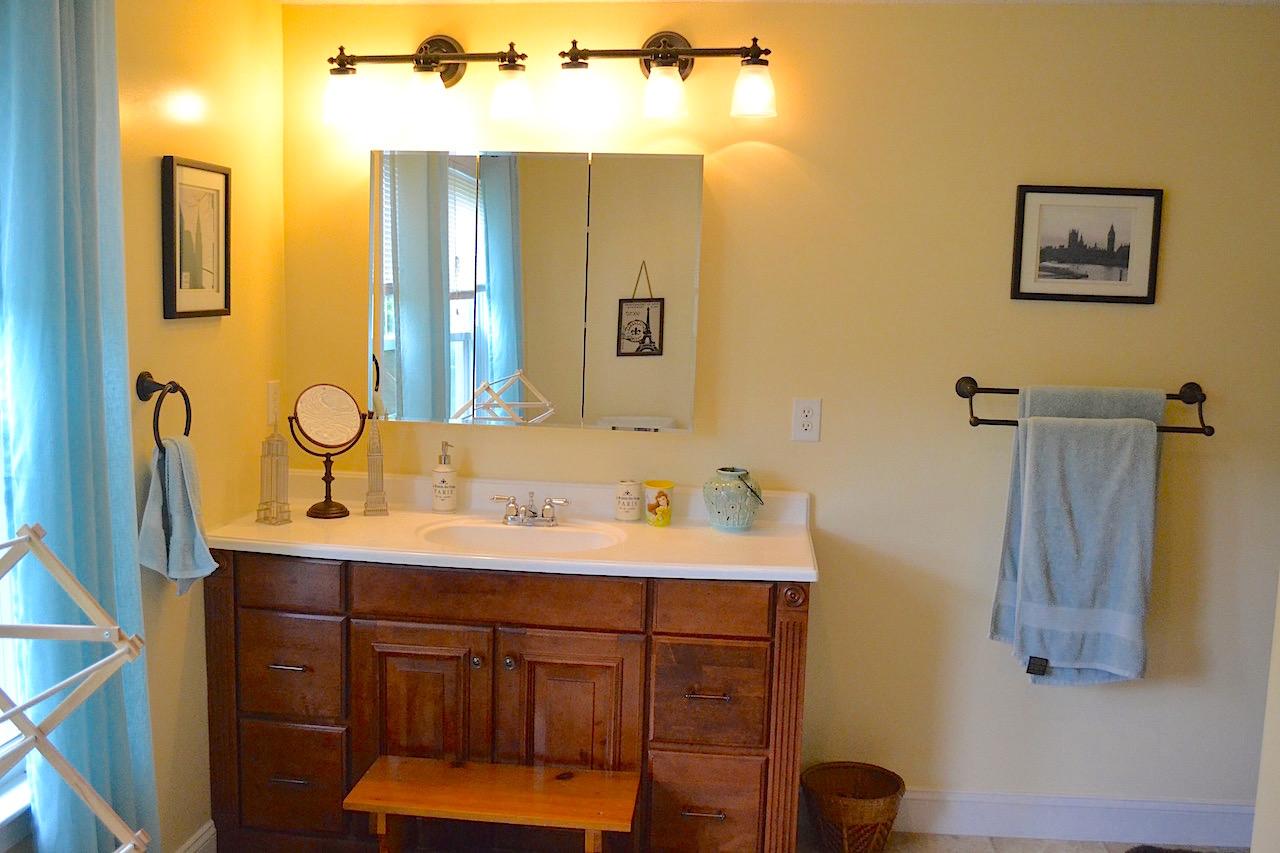 Full Bathroom 3-1.jpg
