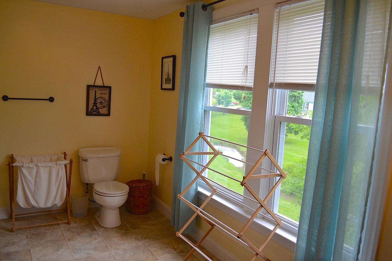 Full Bathroom 3-3.jpg