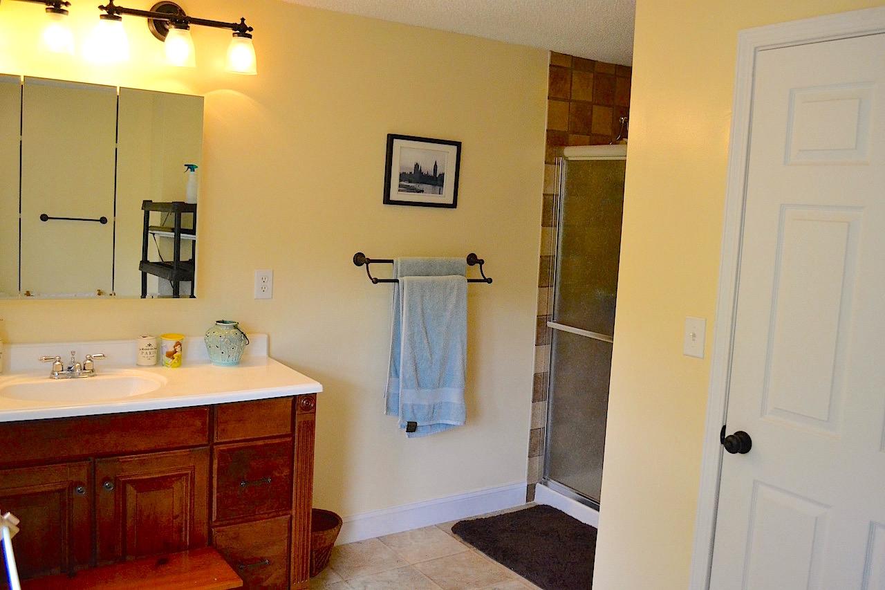 Full Bathroom 3-2.jpg