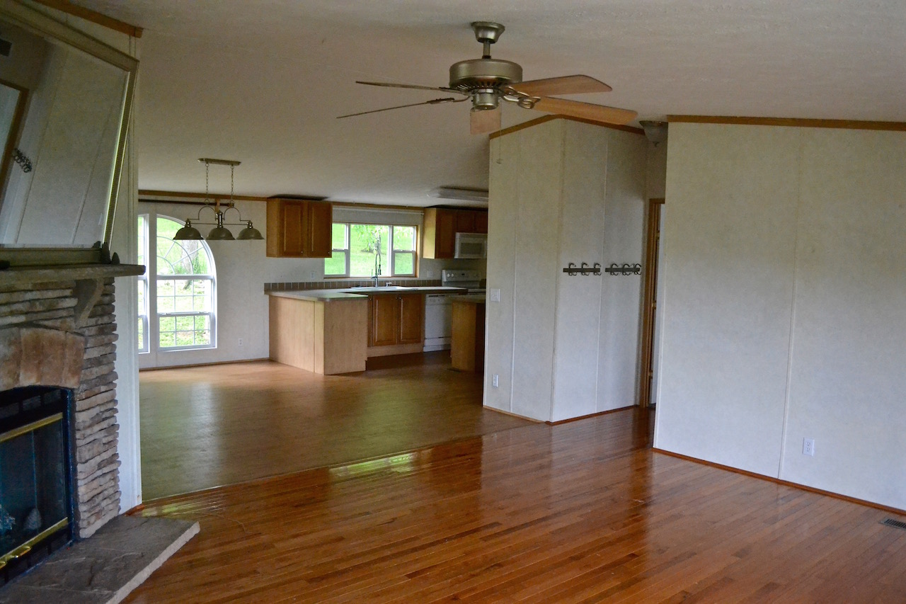 Living Room to Kitchen:Dining Room.jpg