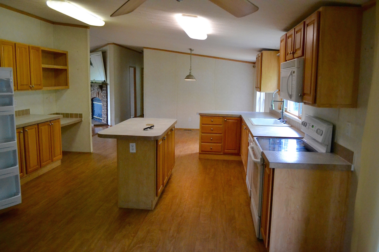 Kitchen-3 and Dining Area.jpg