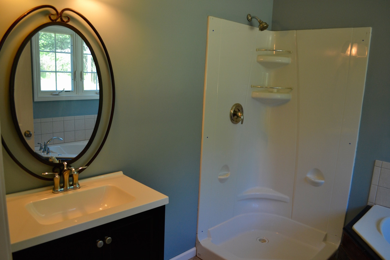 Full Bathroom 2-1.jpg