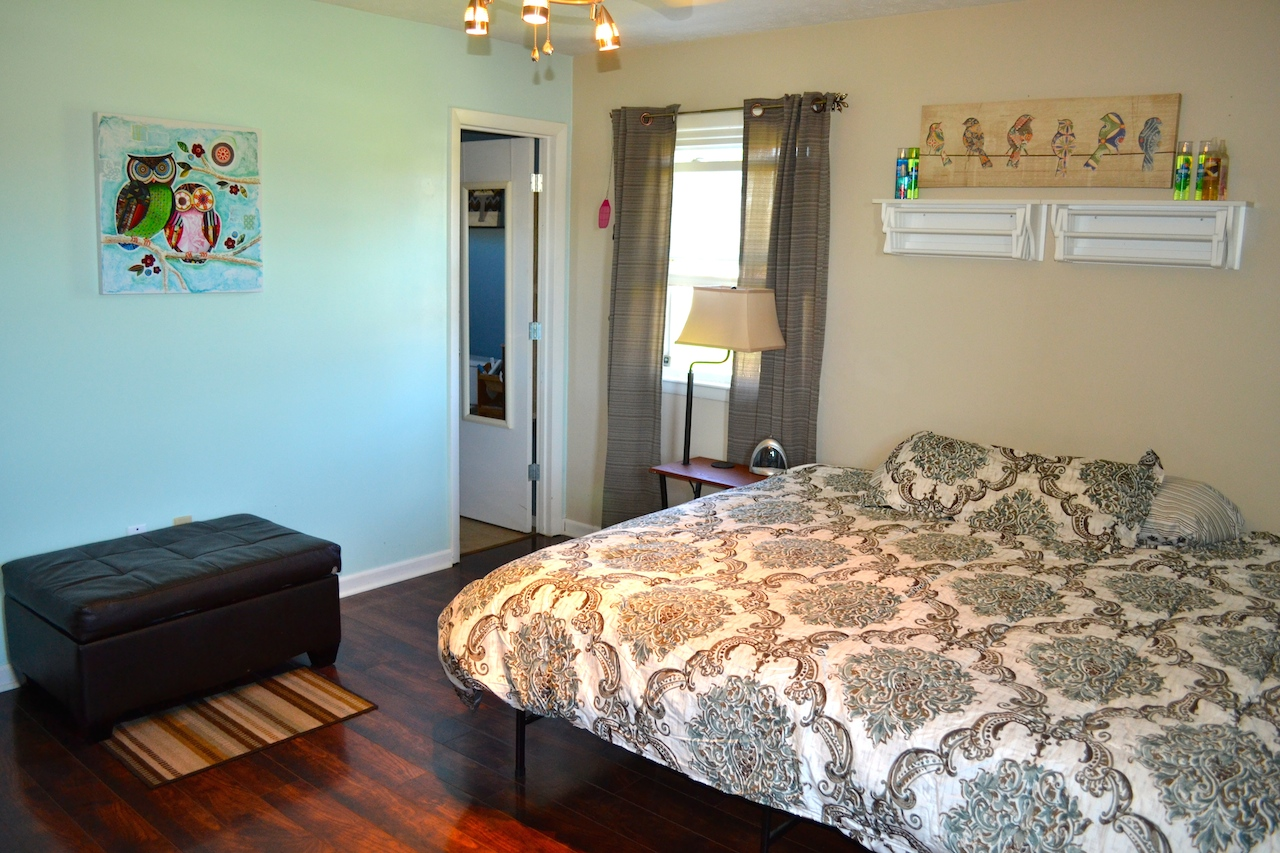 Master Bedroom-2.JPG