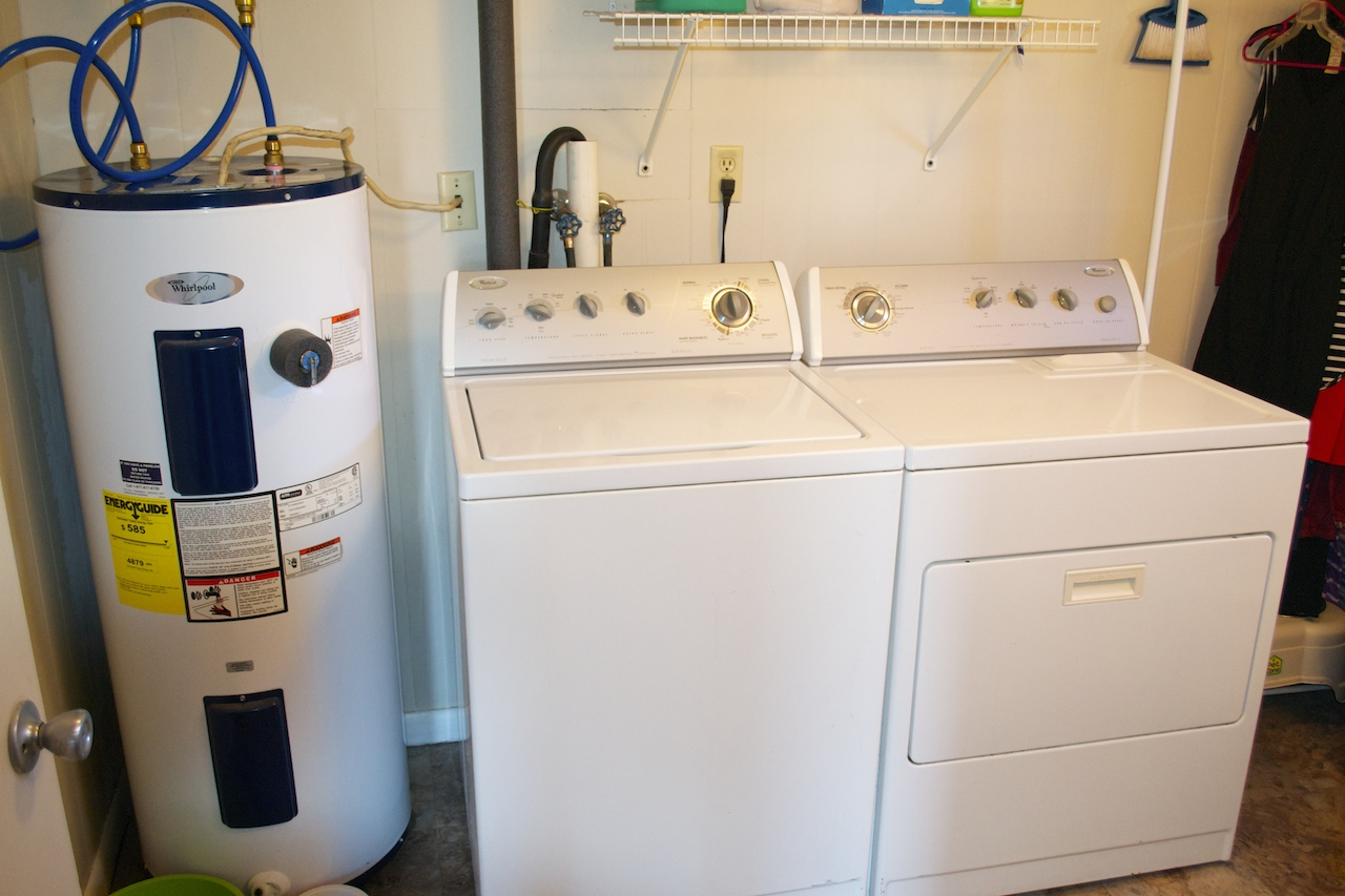 Half Bath:Laundry Room-2.jpg