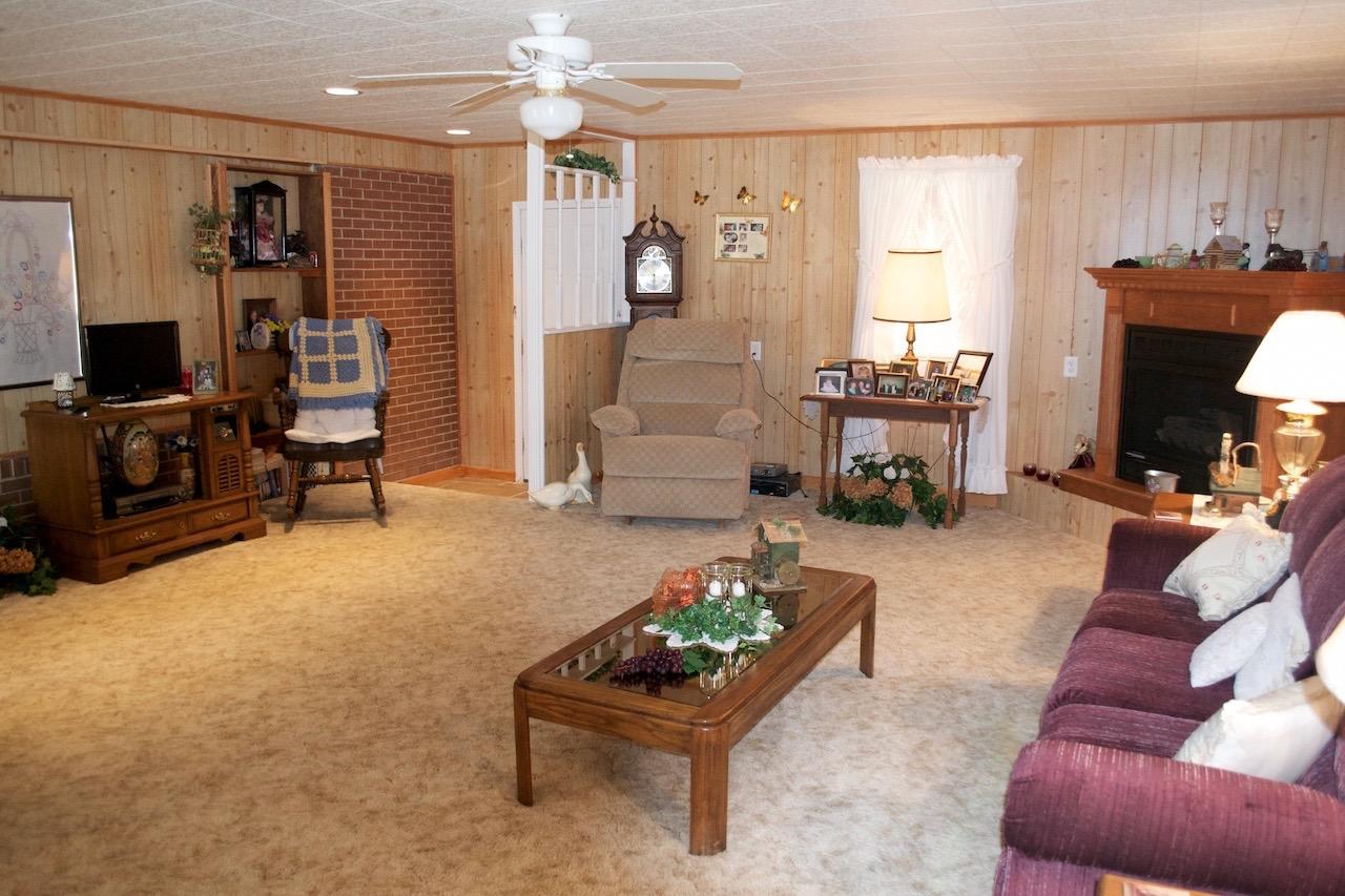 Family Room-4.jpg