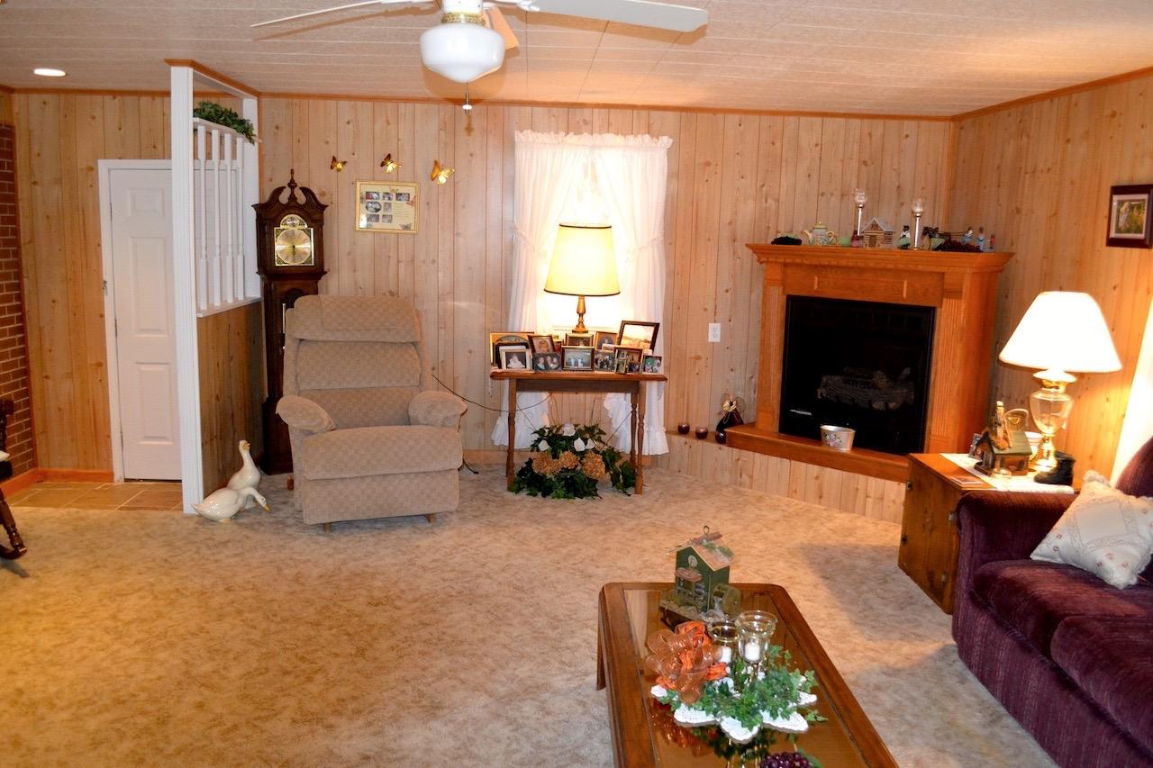 Family Room-5.jpg