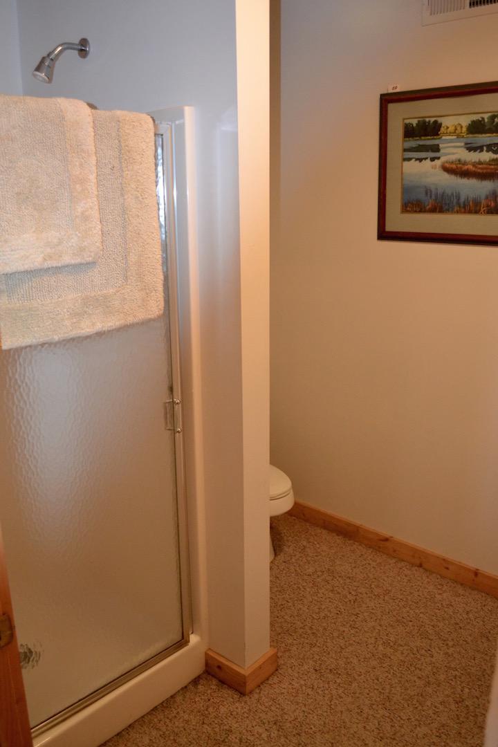 3,000sf building-Interior-Full Bathroom.jpg