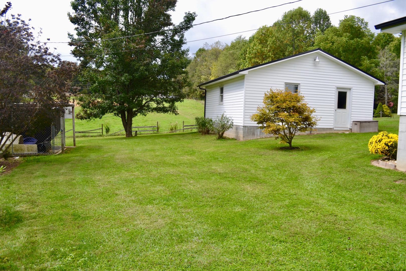 Yard-Back Yard-2nd Garage.jpg
