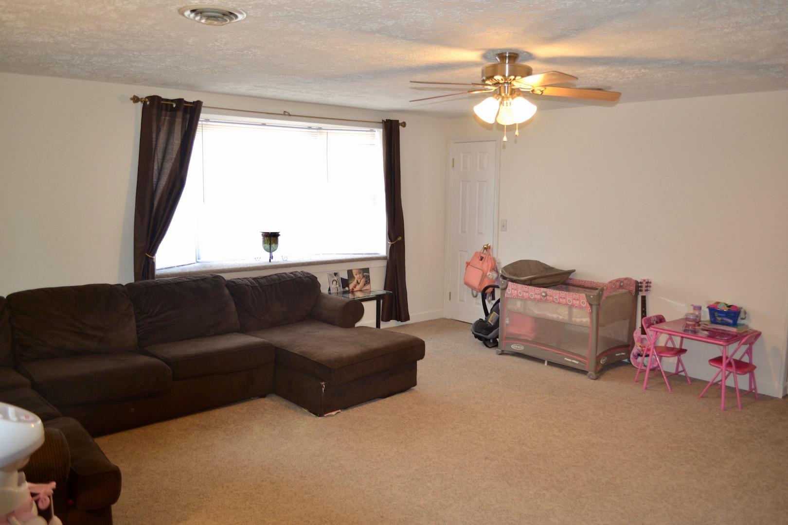 26-Upstairs-Living Room-2.jpg
