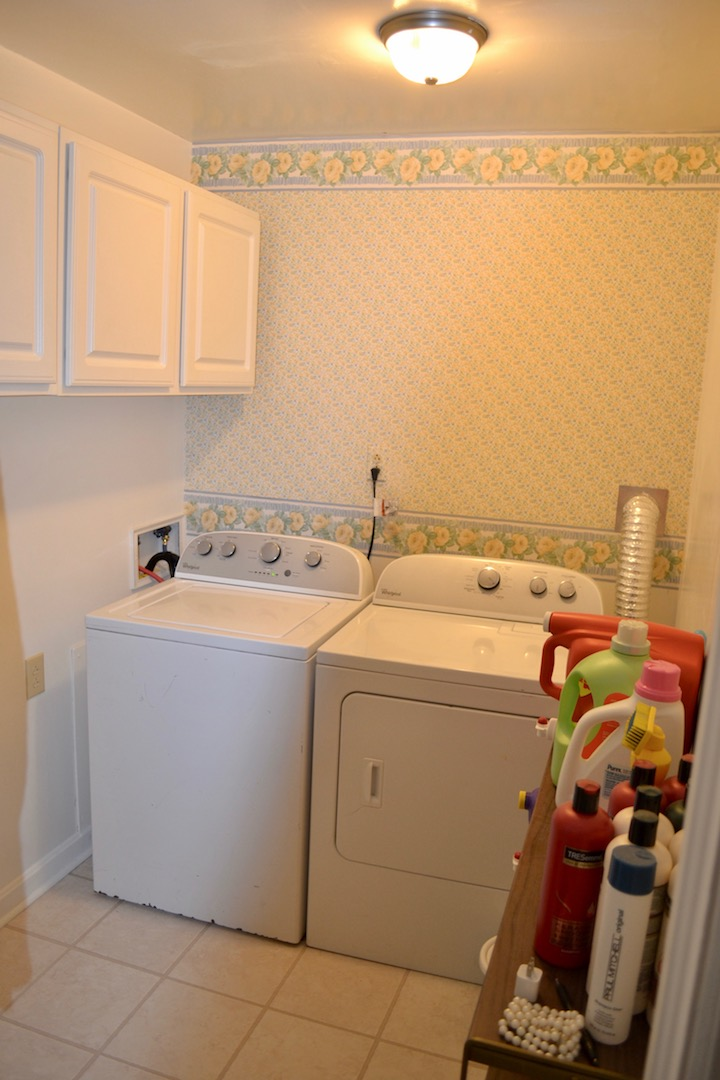 33-Upstairs-Laundry Room.jpg