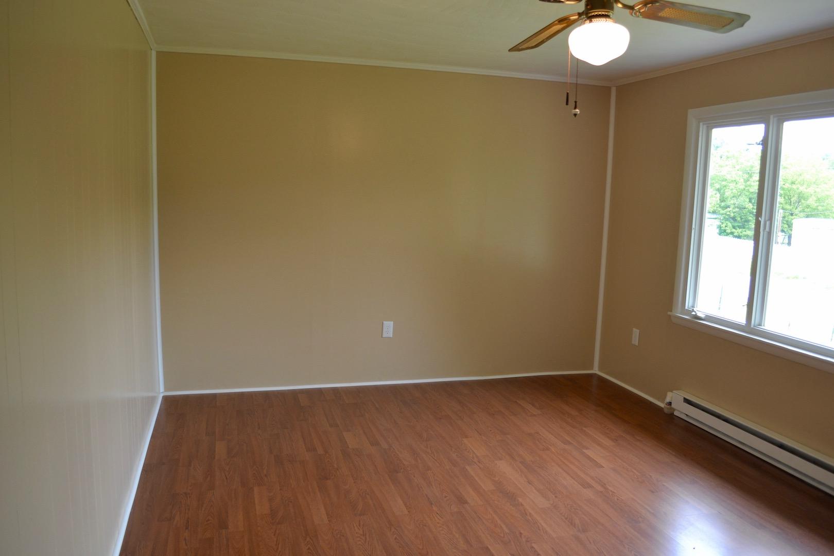 Living Room-3.jpg