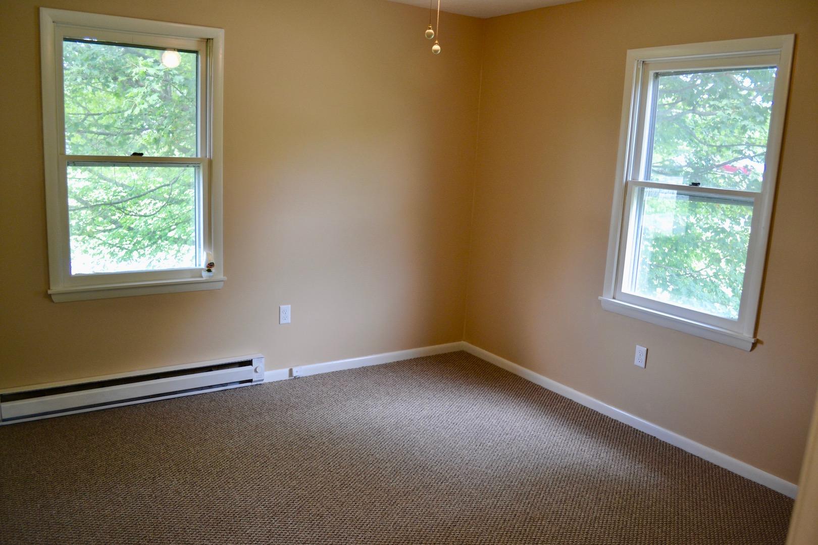 Bedroom 1-1.jpg