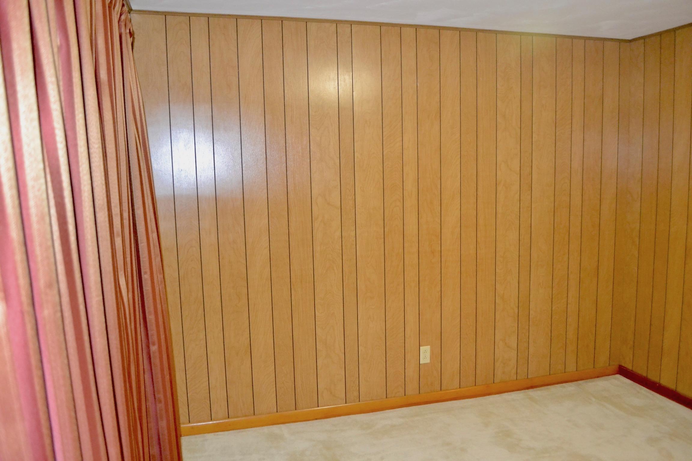 Bedroom 1-2.jpg