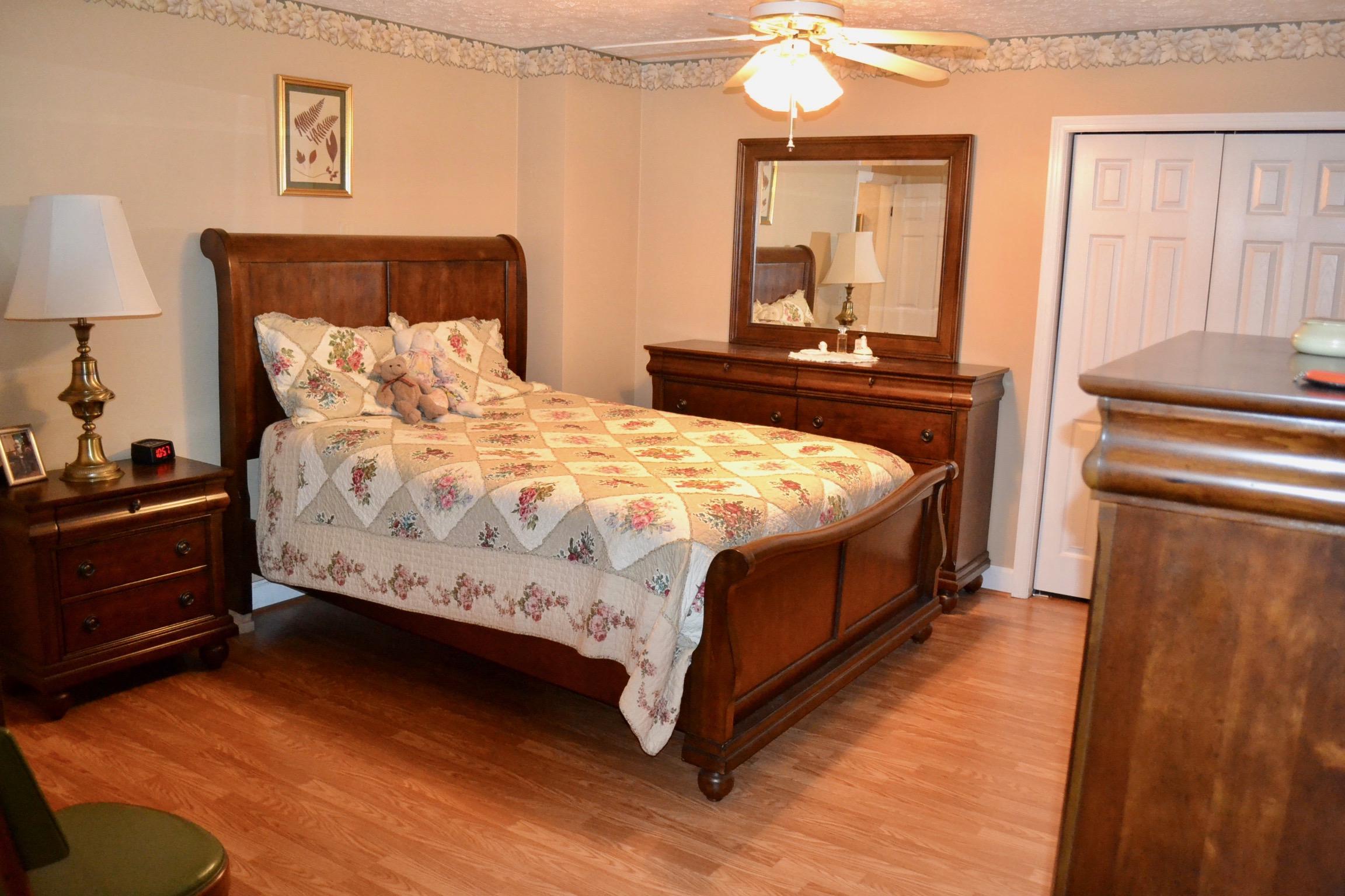 Bedroom 1-4.jpg