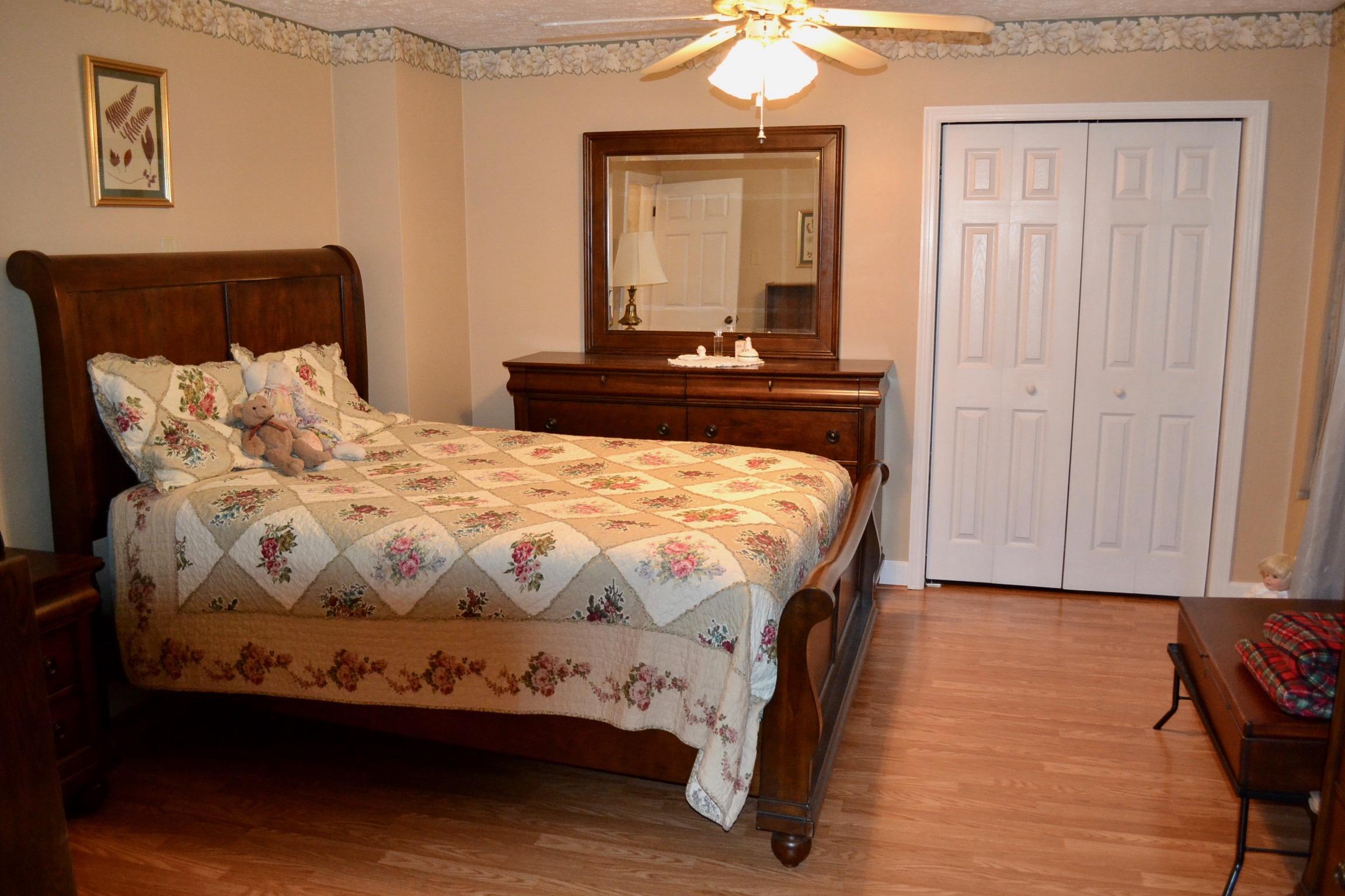 Bedroom 1-5.jpg