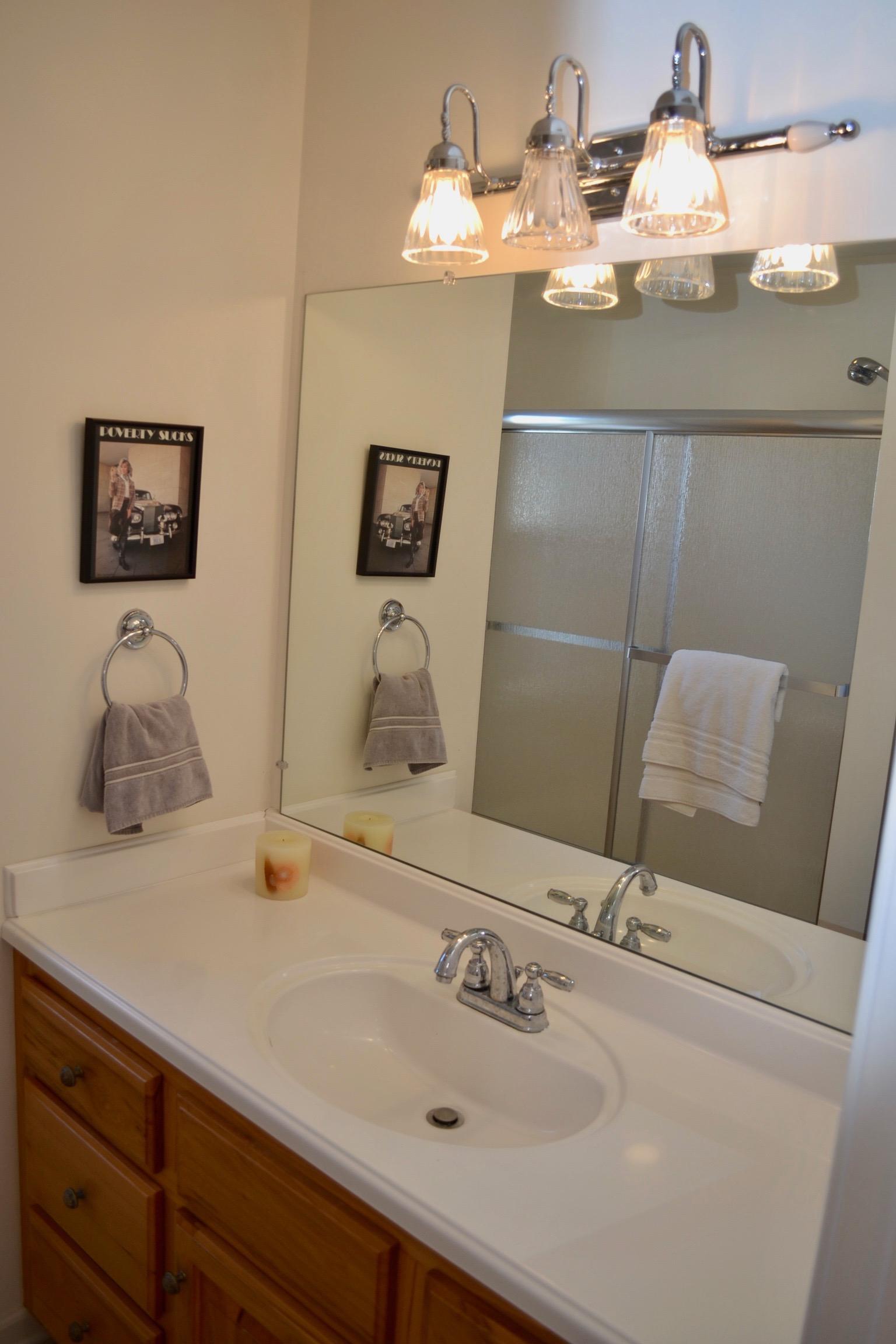Hall Bathroom-2.jpg