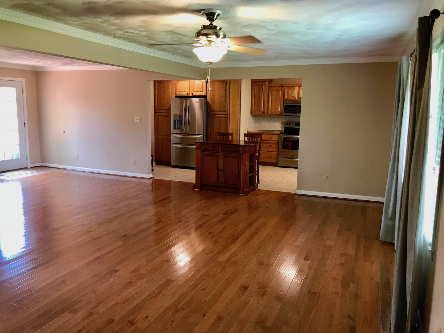 Living Room-View to Kitchen.jpg