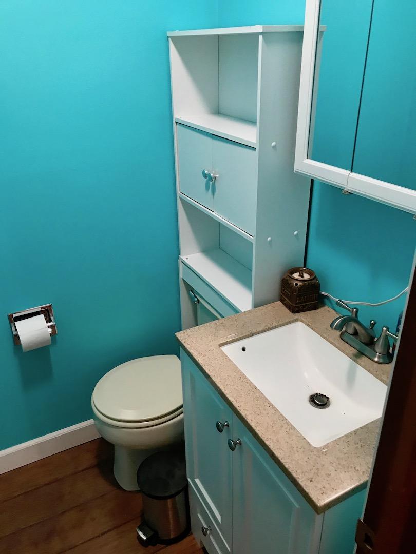 Bathroom 2-Half Bath-1.jpg
