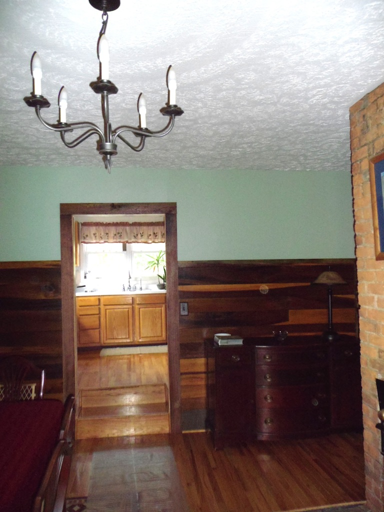 Dining Room to Kitchen.JPG