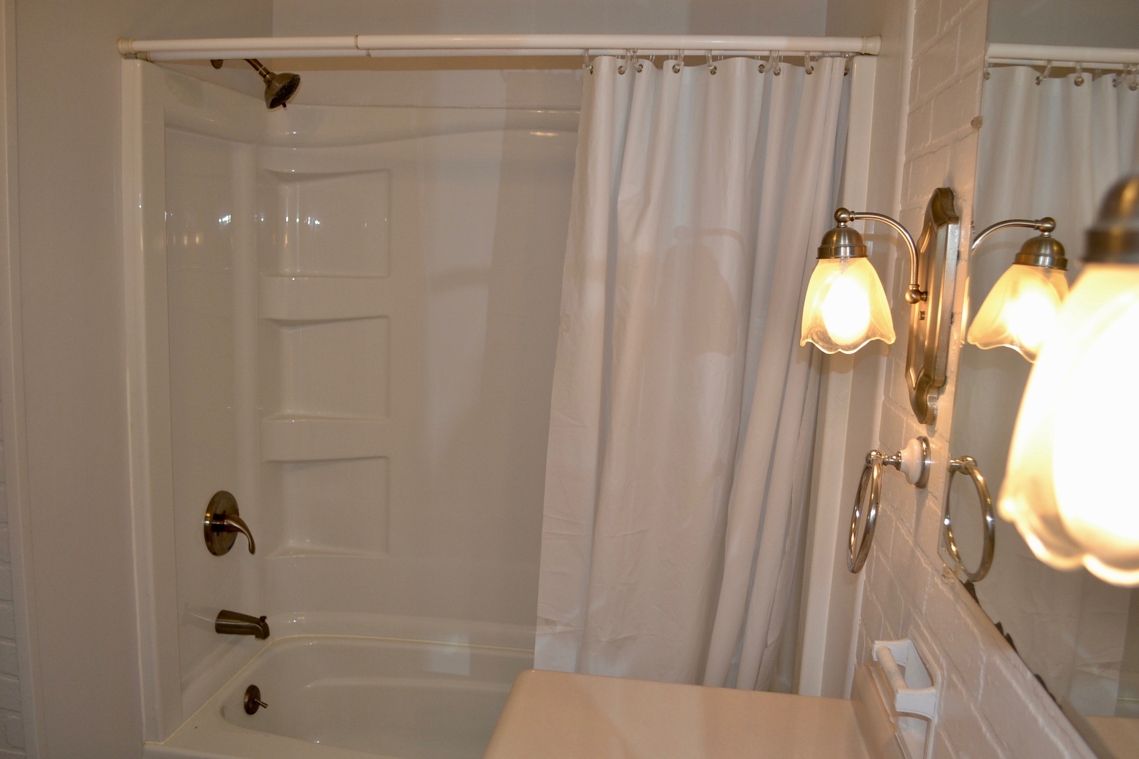 Bathroom 2-4.jpg
