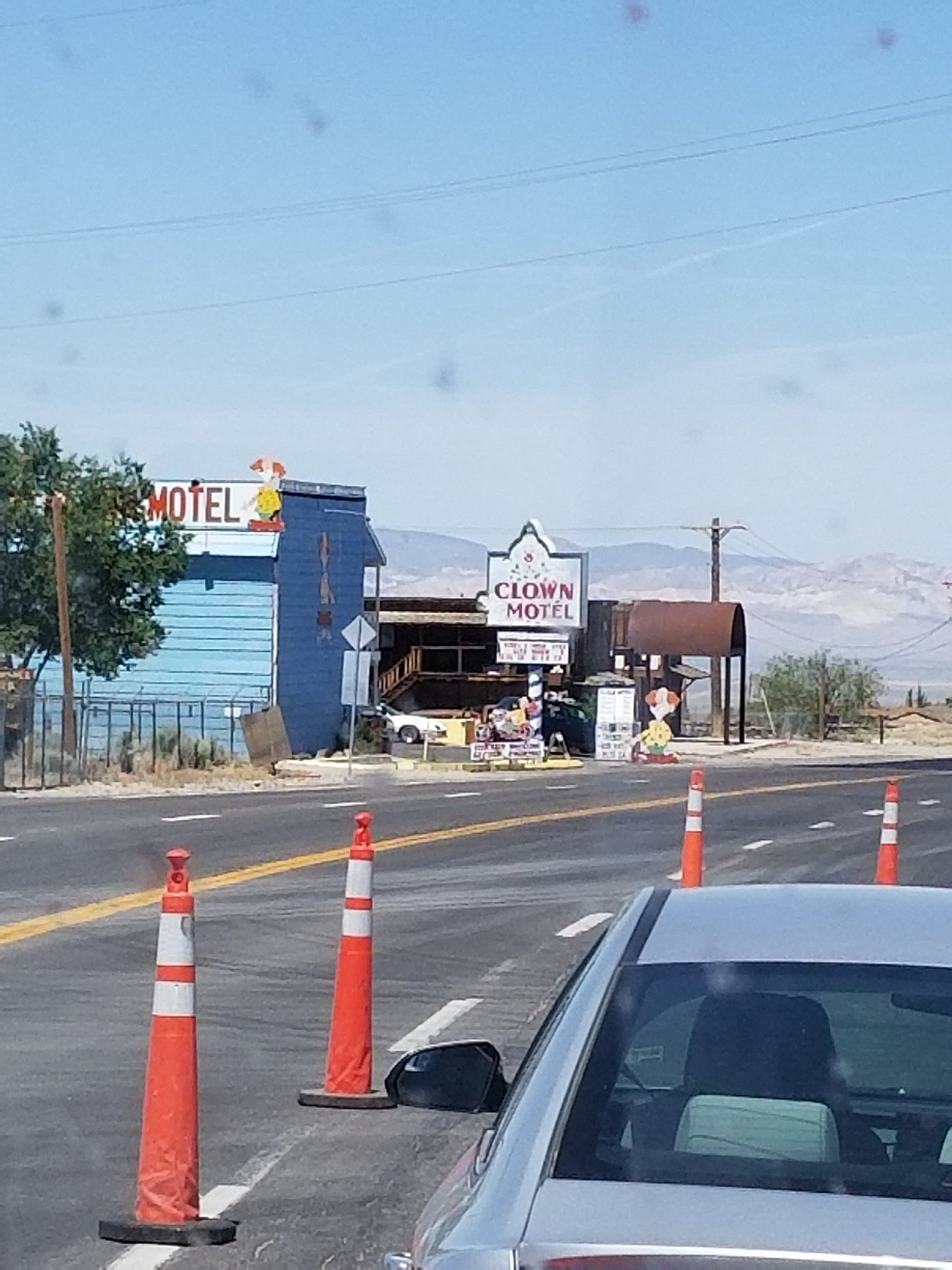 Think I will pass on the Clown Motel. Solo desert driving +traffic=bored.