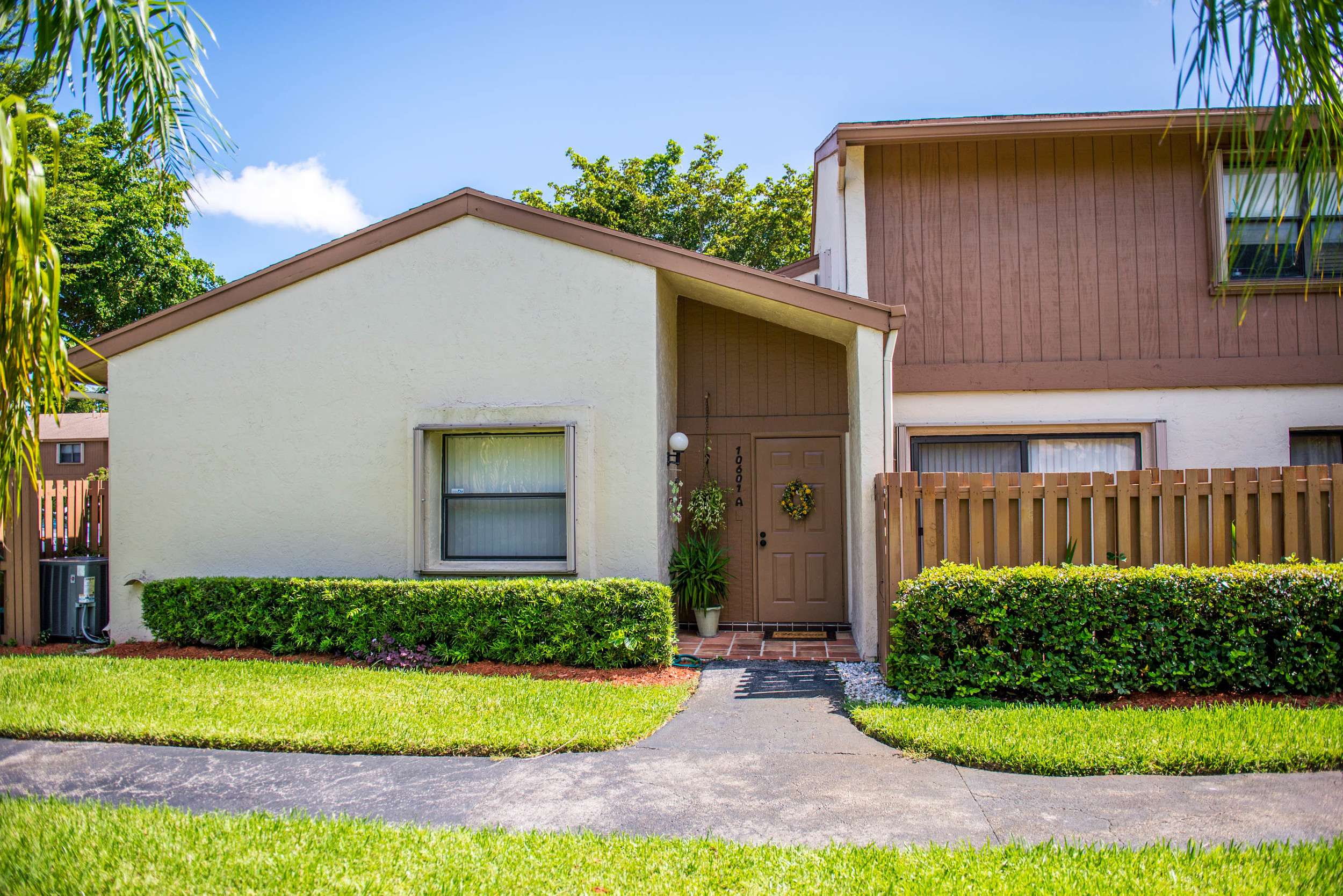 Beautiful 3 bedroom in desirable Sabal Chase!
