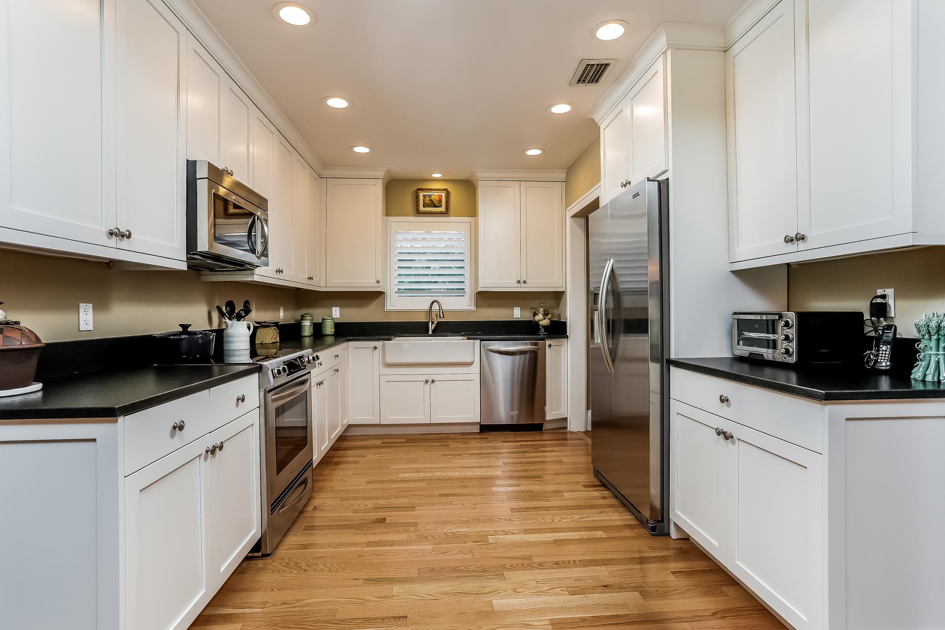 014-Kitchen-2647606-medium.jpg